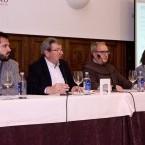 El secretario de redacción, Francisco J. Leira Castiñeira, presentando la nueva etapa en Radio Voz